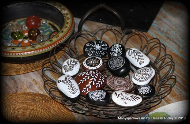 painted stones and clay by manysparrows art (8)